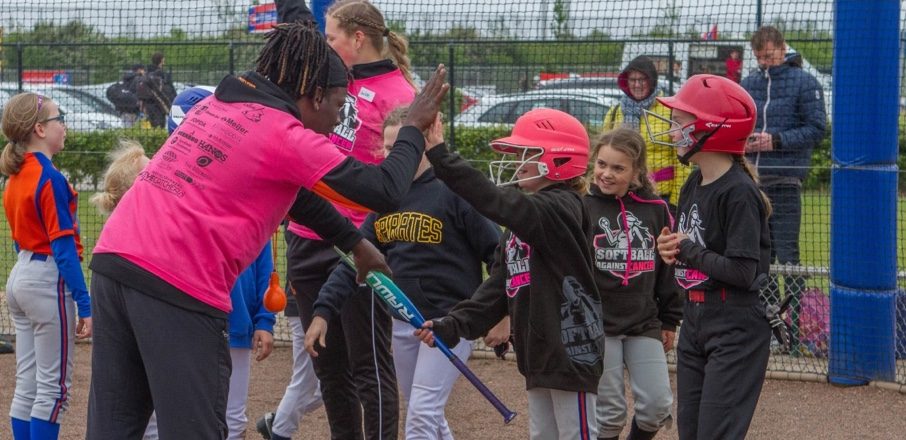 https://softball-qualifier.nl/wp-content/uploads/2019/06/Artboard.jpg
